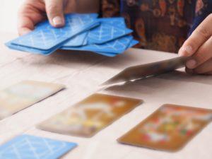 カード展開